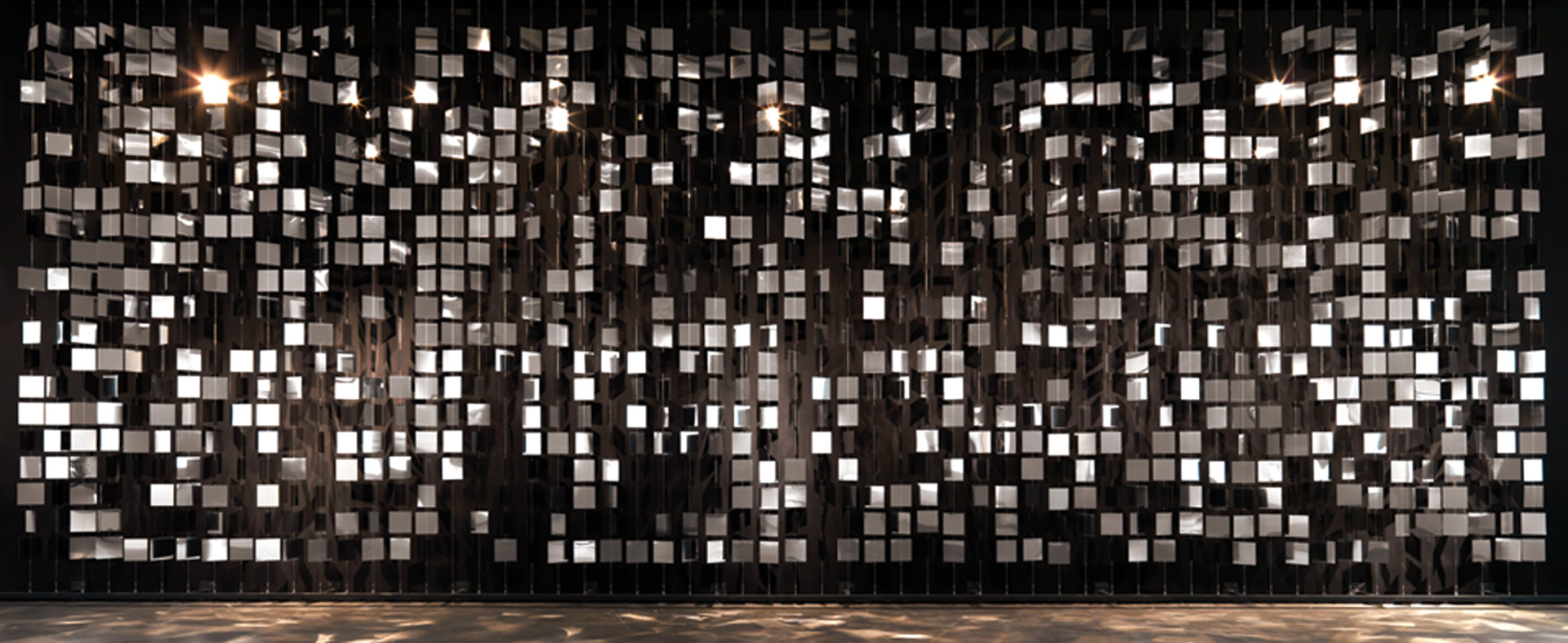 Julio-le-Parc_continuel-mobile-inbox_to_web